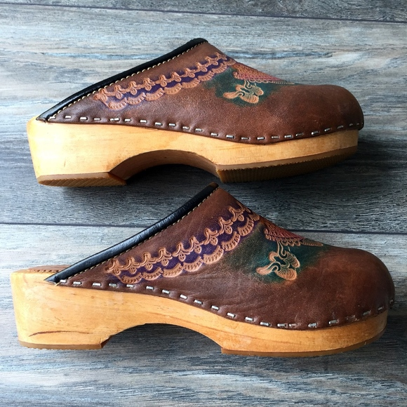 Shoes - Women's Clogs
